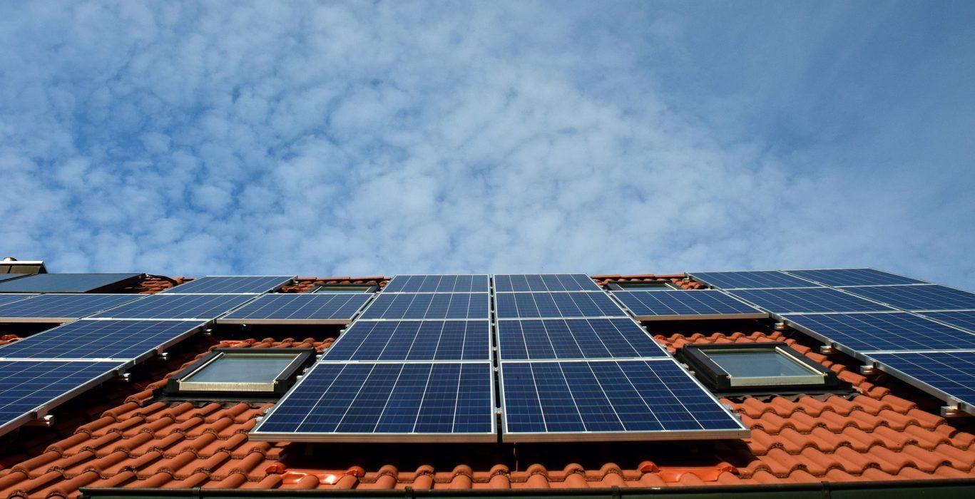 Análisis de la viabilidad energética de instalaciones de autoconsumo para distintos sectores de aplicación