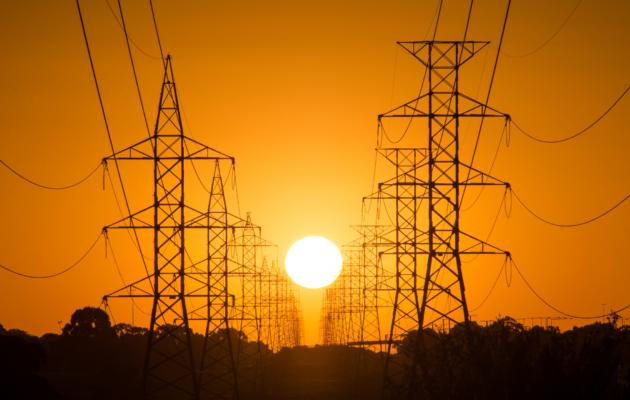 La Fundación Renovables propone el diseño de una nueva tarifa eléctrica que considere la electricidad como un bien de primera necesidad